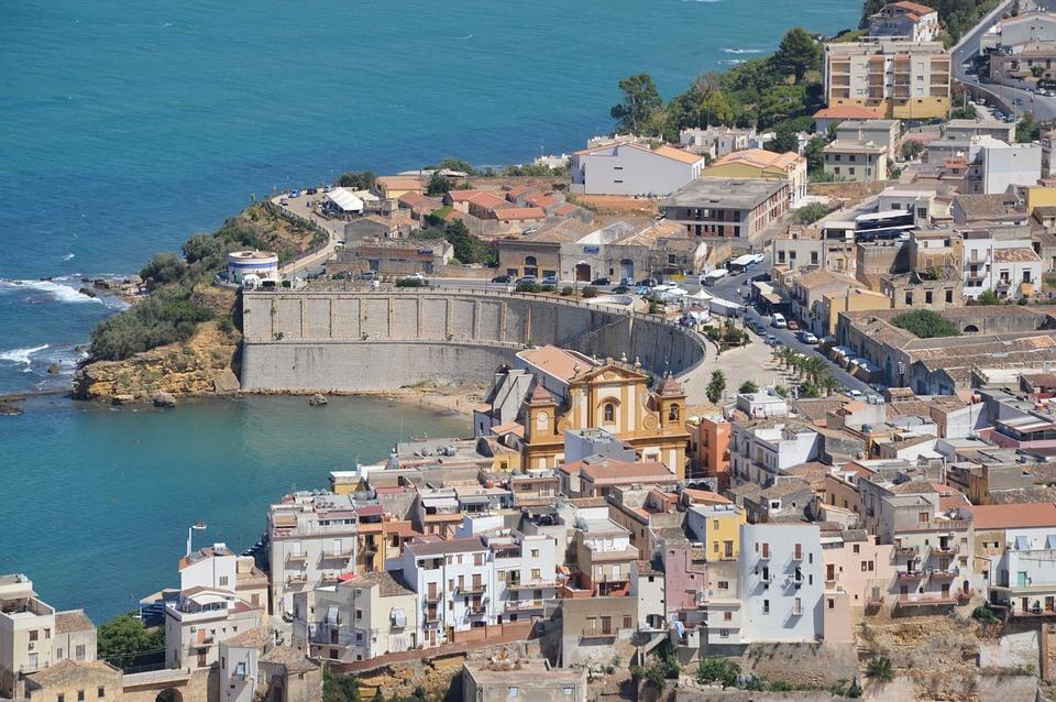 casa vacanze in sicilia con piscina