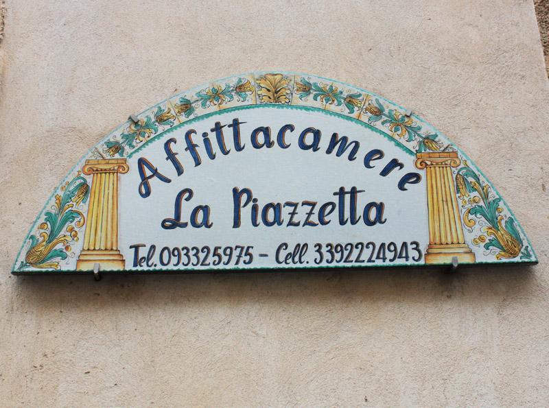 Affitta Camere La Piazzetta Caltagirone
