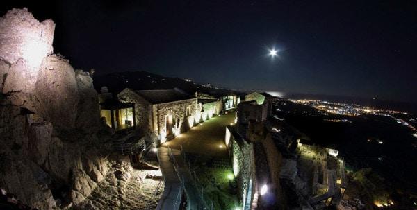 Il Castello di Calatabiano, in Provincia di Catania.