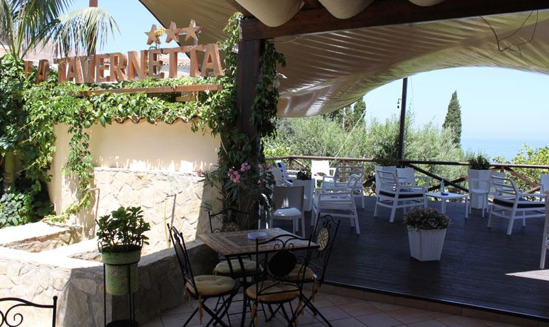 Hotel Ristorante La Tavernetta Esterno