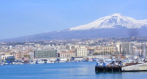 Catania: Informazioni utili - Musei, Mercati, Giardini, Mare, Montagna, Trasporti